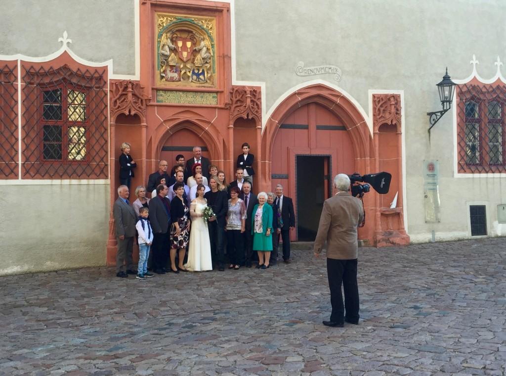 Hochzeitsgesellschaft nach der Trauung Meissen
