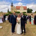 Secret Place Schloss Thallwitz, Trauredner Carsten Riedel mit Brautpaar