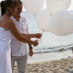 Strandhochzeit auf Sardinien, Ballons steigen lassen, Hochzeitsredner Carsten Riedel