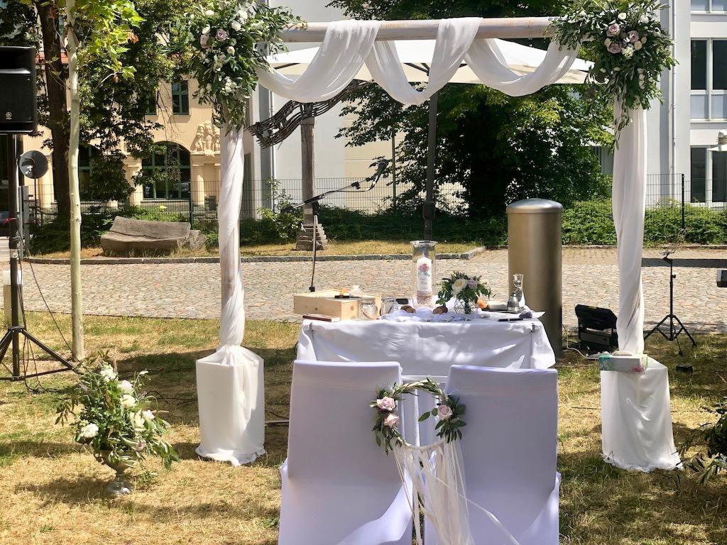 Freie Trauungszeremonie in Zwickau – Isabel & Ronny