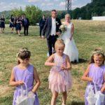 Brautpaar nach der Trauung durch Redner Carsten Riedel
