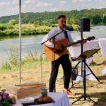 Tim Fichte als Sänger bei der freien Trauung bei den freien Traurednern Ines Wirth