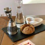 Deko Hochzeitstisch - Brot und Salz und Nürnberger Brautbecher