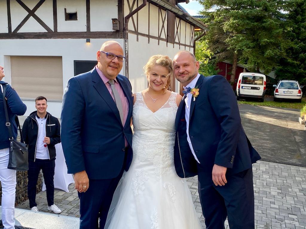 Überraschungstrauung in Reinsdorf – Claudia und Ron im Forsthaus