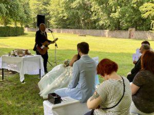 Lutz singt für seine Chrissi - freie Trauung auf Schloss Moritzburg